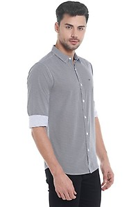 Upto 60% Off On Mens Casual Wear